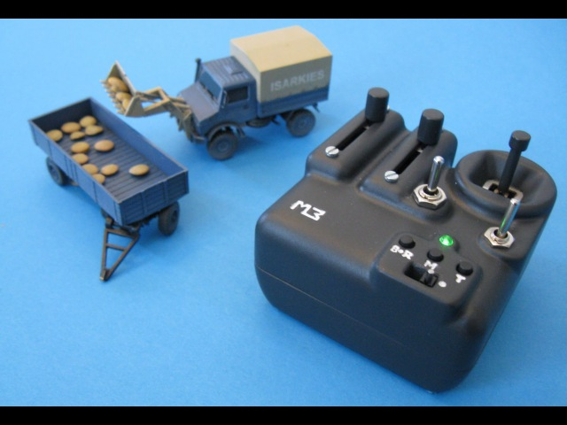 3D-printed Micro RC Truck Unimog and Transmitter (1/87)
