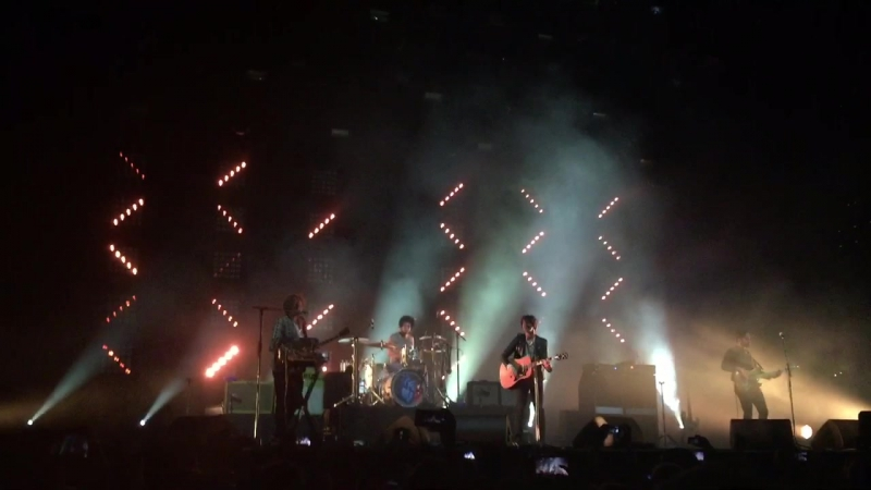 The Kooks - She Moves In Her Own Way Live in Moscow 6.11.2015