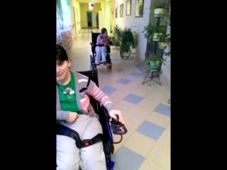 Людмила и Анжела катаются на электроколясках по интернату!!!