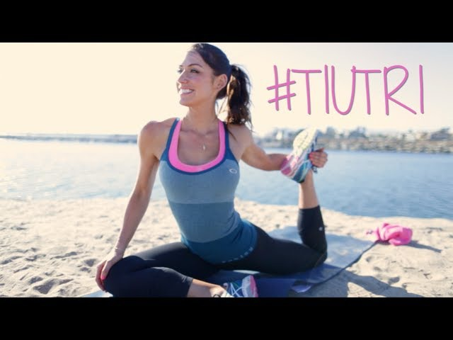 Лучшая растяжка для триатлона ~ Tone It Up Best Triathlon Stretching Routine ~ Tone It Up