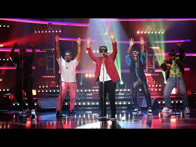 Mark Ronson Bruno Mars Perform Uptown Funk