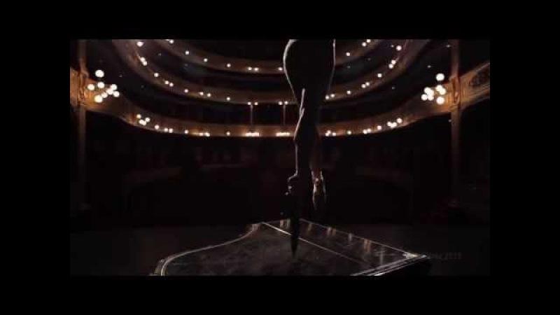 Ballerina Wears Knife Shoes to Perform En Pointe En a Piano