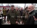 Жителям Шахтерска, пострадавшим от обстрелов ВСУ, вручили ключи от новых домов