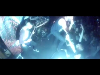 Feed Her To The Sharks - My Bleeding Heart Swims in a Sea of Darkness (live)
