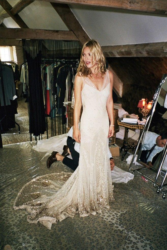 Выбор свадебного платья: советы психолога. Рекомендации свадебного ведущего.