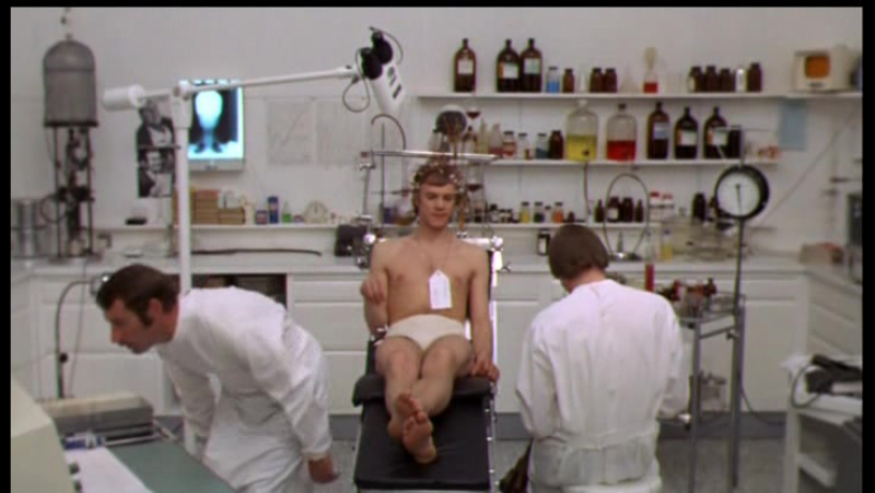 O Lucky Man! (1973) Lindsay Anderson Esp