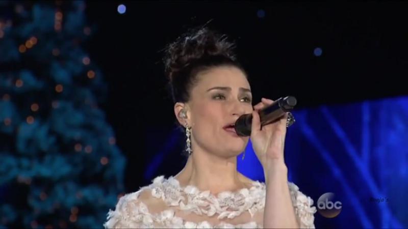 Jennifer Nettles Idina Menzel - Frozen- Let It Go (CMA Country Christmas 2014)