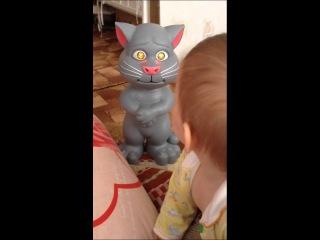 Надоел, уходи! Прикол с ребенком и котом томом (kidtoy.in.ua)