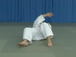 Judoforall-Основы дзюдо-Самостраховка при падении на бок