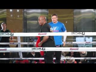 Усик станцевал на тренировке перед боем с Родригесом