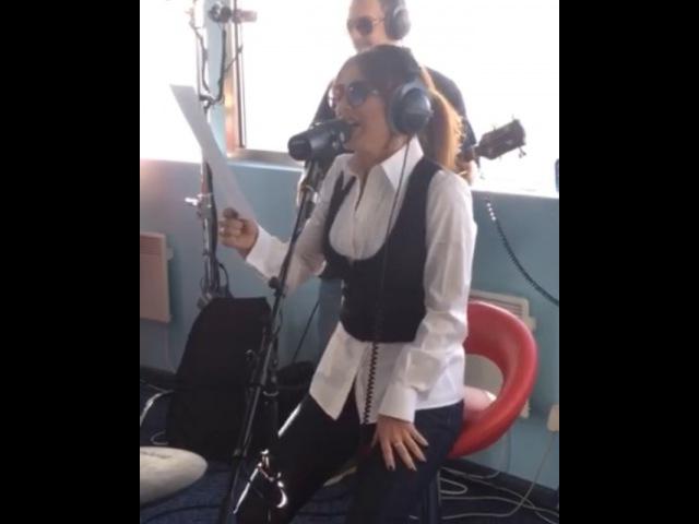 """Авторадио on Instagram: """"Потрясающая Ани Лорак в эфире Авторадио! Как же круто @anilorak исполнила песню Маши Распутиной про"""