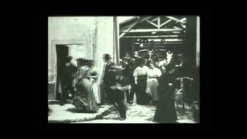 1895 Lumiere Workers Leaving the Lumiere Factory 1895