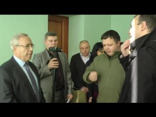 Жителі Кривого Рогу вигнали фальсифікатора Вілкула з мерії
