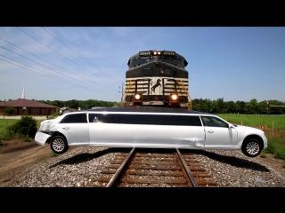 Поезд на Таран с Лимузином Авария ГТА GTA Застрял на Рельсах Машина Кина не Будет