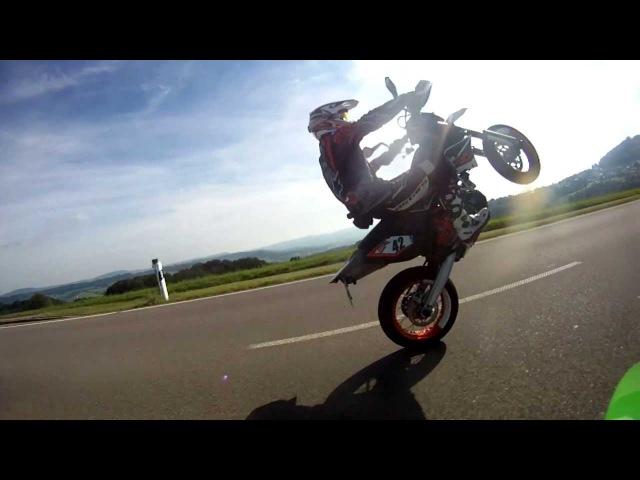 Wheelie practice KTM 690 SMC-R