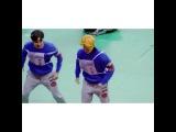 なぜかほそくにケツを触られるジミンちゃん😂😂 #BTS #방탄소년단 #Jhope #jimin