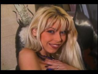 Порно видео онлайн с niki blond