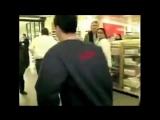 Воровку в супермаркете вышел поздравить директор магазина
