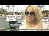 Памела Андерсон стала лицом кампании против морских аттракционов