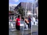 асхат и дети в фонтане