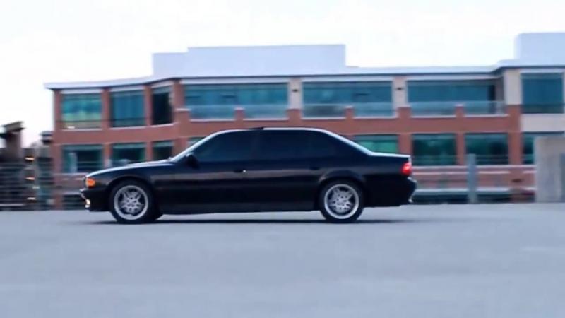 Реклама БМВ 7 серия Е38 2 бумера