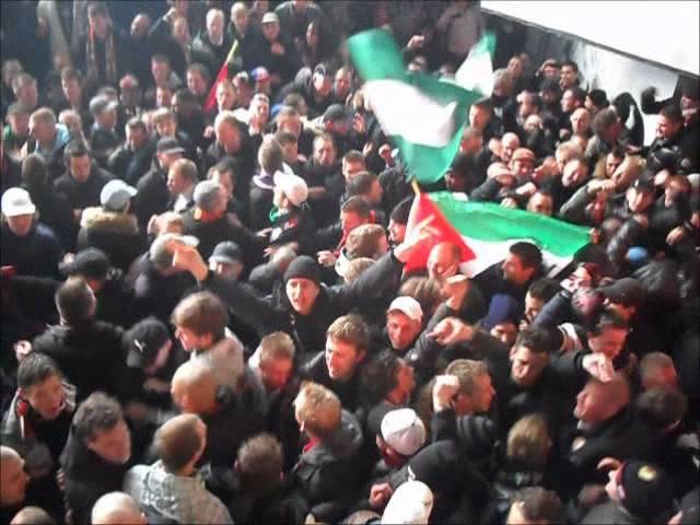 Feyenoord - 020 Groene Hazen in Legioenzaal 29-01-2012.wmv