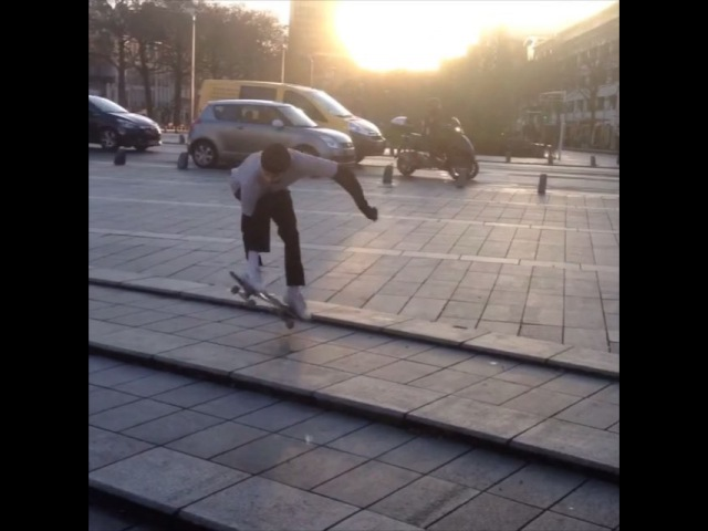 "Nainpaurte Koua on Instagram: ""@__julienriou le king de la tirette nantes france skate skateboard sk8 krod middle surfer nekfeu hair yellow lol jvaismetuer…"""