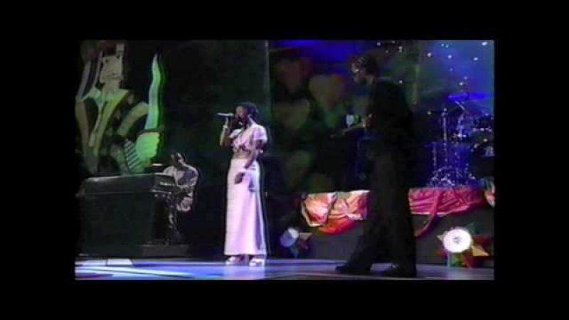 Fugees Roberta Flack - Killing Me Softly Live on the 1996 Movie Awards