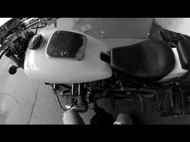 Днепр 11 - мотоцикл отлично тарахтит
