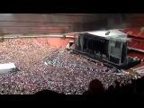 The stadium sings the Bohemian rhapsody...Стадион запел Богемскую рапсодию...