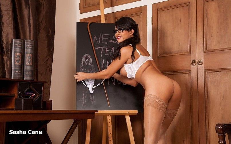 эротика учительницы в чулках фото