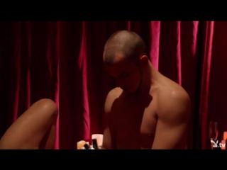 Жесткий анальный секс с грудастой брюнеткой