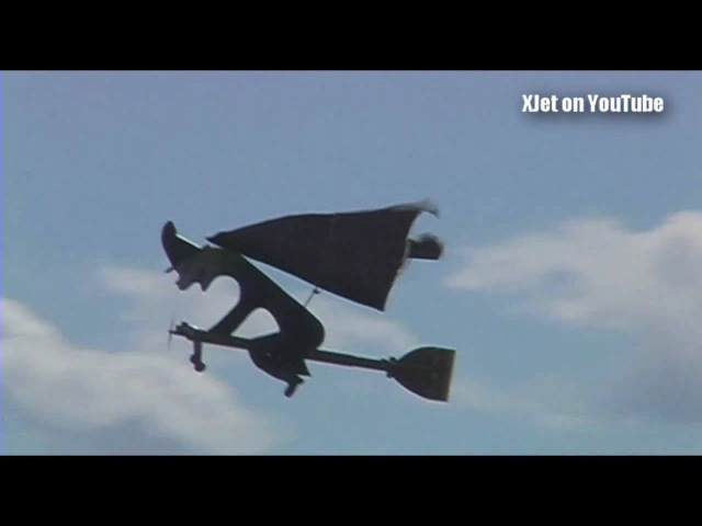 Things that shouldn't fly 5: A flying broomstick at the 2010 Kiwi ProBro