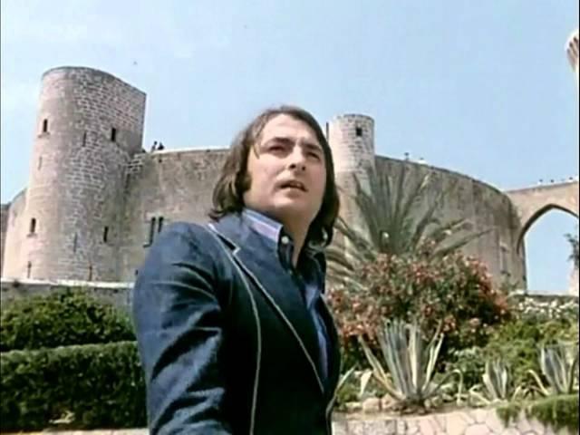 Nino Bravo - Un Beso Y Una Flor (1972) Clip