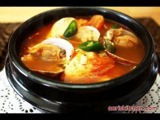 Korean Food: Spicy Extra Soft Tofu Soup (순두부 찌개)