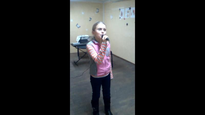 Анечка Белая (10 лет)
