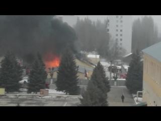 Пожар и взрывы в военной части на Огородной в Саратове 11.02.2016 г.