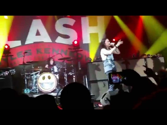 Slash feat. Myles Kennedy - Sweet Child O' Mine - Live In Prague 19.11.2015