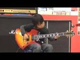Японский мальчик играет на гитаре Оззи Осборна!!!! OZZY OSBOURNE Crazy Train()