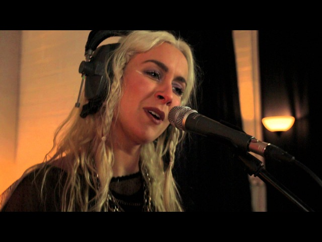 Wyvern Lingo - Run [Hozier Cover] (Lamplight Sessions)