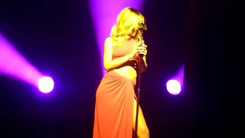 «Loveeeeeee Song» «Love The Way You Lie pt 2» «Cold Case Love» «Take A Bow» - Монпелье, Франция; 2 июня 2013