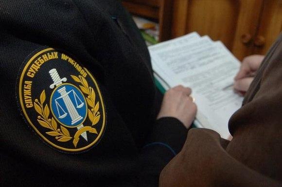 Алиментщик из Ленска выплатил долги после ареста телефона