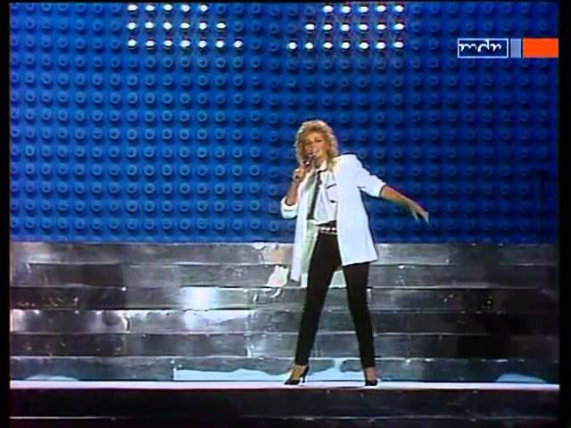 Bonnie Tyler - Holding Out For A Hero TV 1984