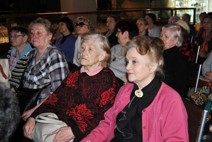 Музей «Петровская Акватория» поздравил ветеранов музейного дела
