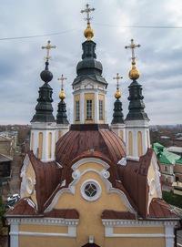Гнездо на Воскресенской церкви