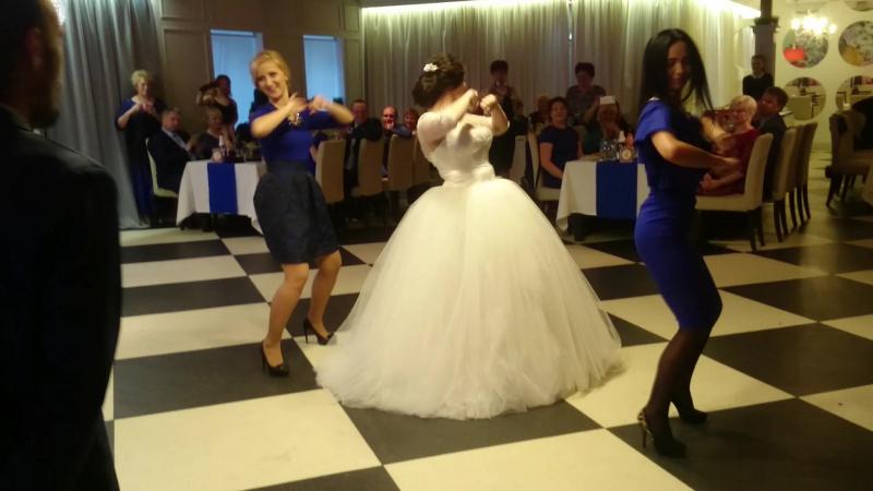 Маторчики танцуют