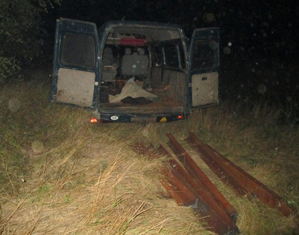 Бердичівські оперативники викрили крадіїв залізничного полотна