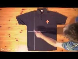 Как ловко складывать футболки и рубашки