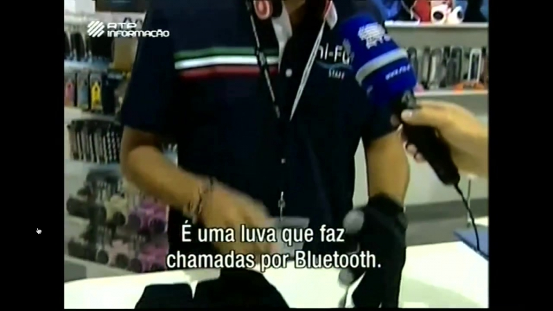 Hi-fun with hi-call, Bluetooth calling glove, on portuguese tv. Guanto telefonico bluetooth
