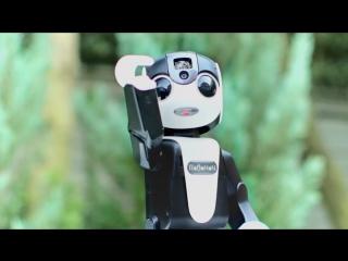 Sharp представила роботизированный смартфон robohon